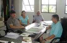 Prefeito Eduardo Dalmora recebe equipe e conselheiros do PNSHL